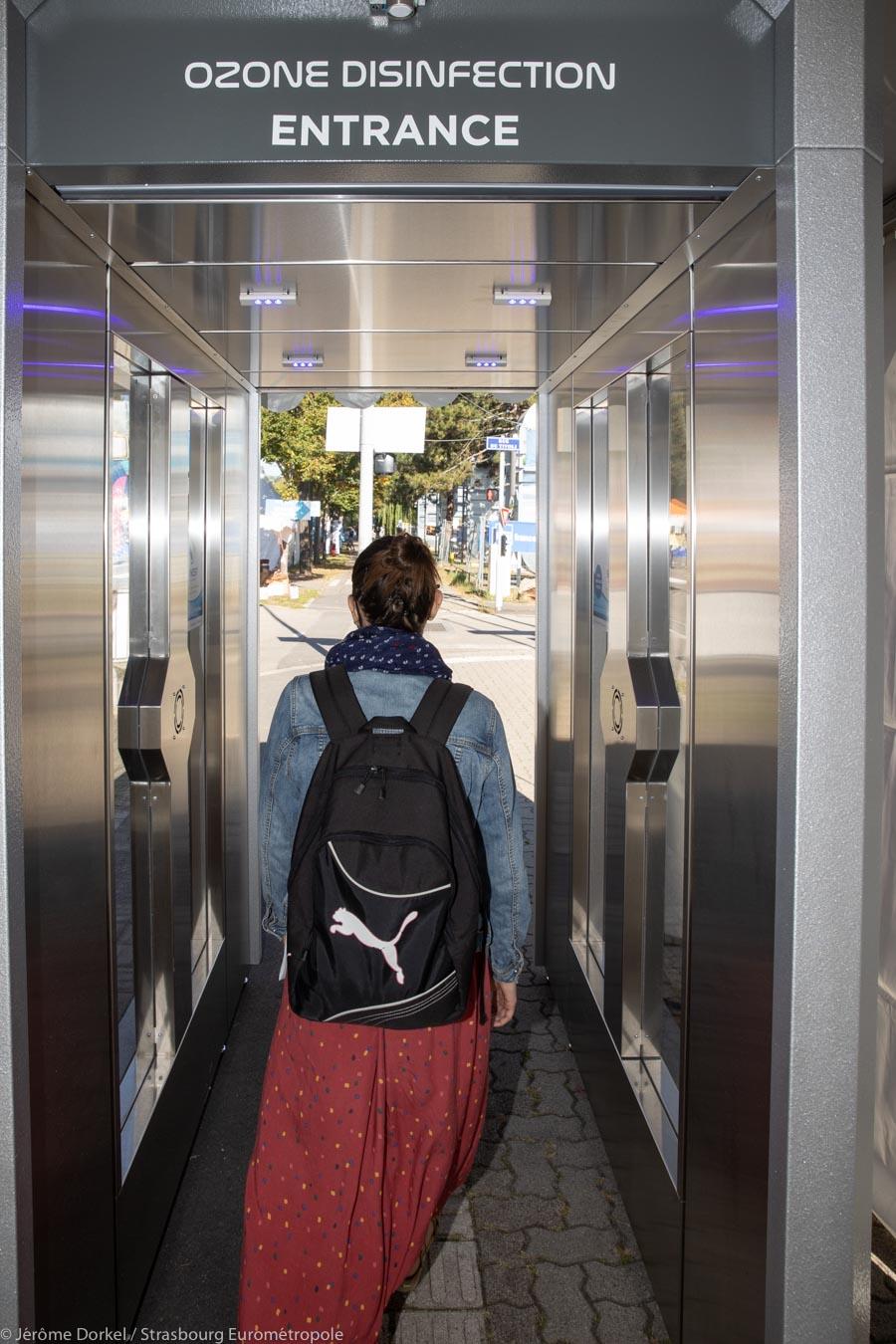 Cabine de désinfection par flux d'ozone à la Foire Européenne de Strasbourg