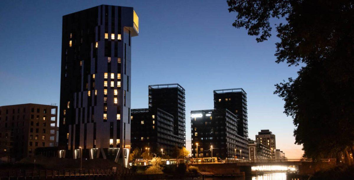 Tour Elithis à Strasbourg, premier immeuble d'habitations à énergie positive au monde
