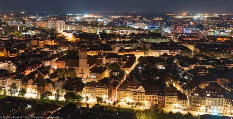 Vue de Strasbourg de nuit